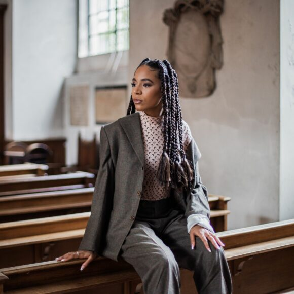 MEFEater Interviews Lyne Nsongo About Her 'Royal' Video
